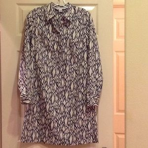 Diane Von Furstenberg navy & white dress. Size 6.